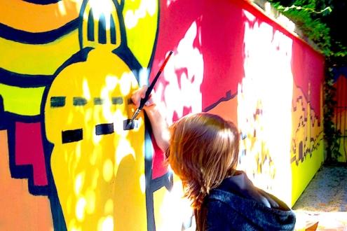 Wandmalprojekt Schulhof mit Jugendlichen der Oberschule Innenstadt Görlitz.
